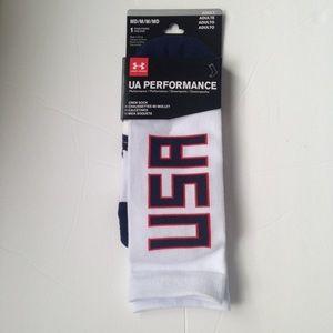 UA Under Armour USA Performance Crew Socks Medium